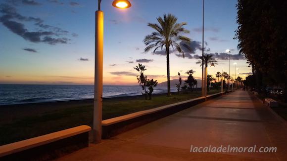 Puesta de Sol en el Paseo Marítimo de La Cala del Moral