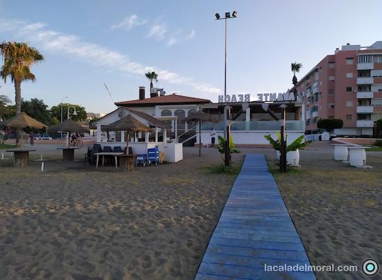Zona Avante beach del Restaurante Avante Claro en la playa de La Cala del Moral